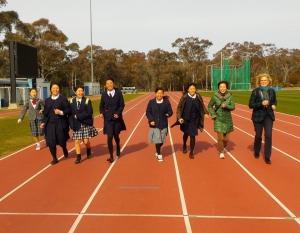 tohoku students racing the president